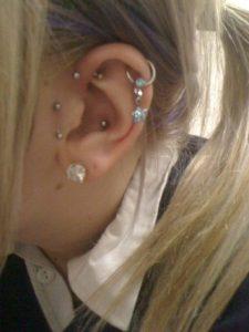 tragus-piercing-gems