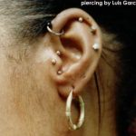 tragus-piercing-vertical