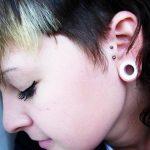 vertical-tragus-piercing