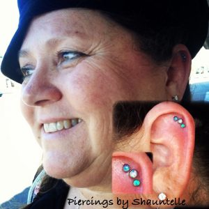 helix-piercing-lady